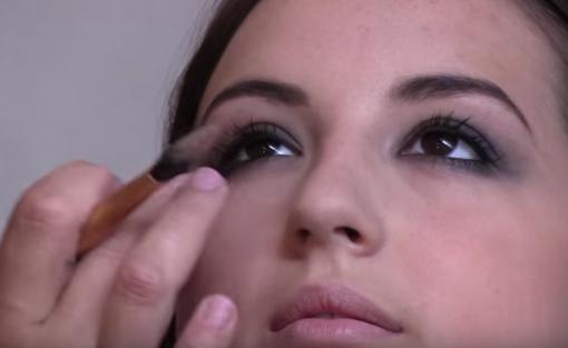 Smokey eyes makeup lessons sheffield
